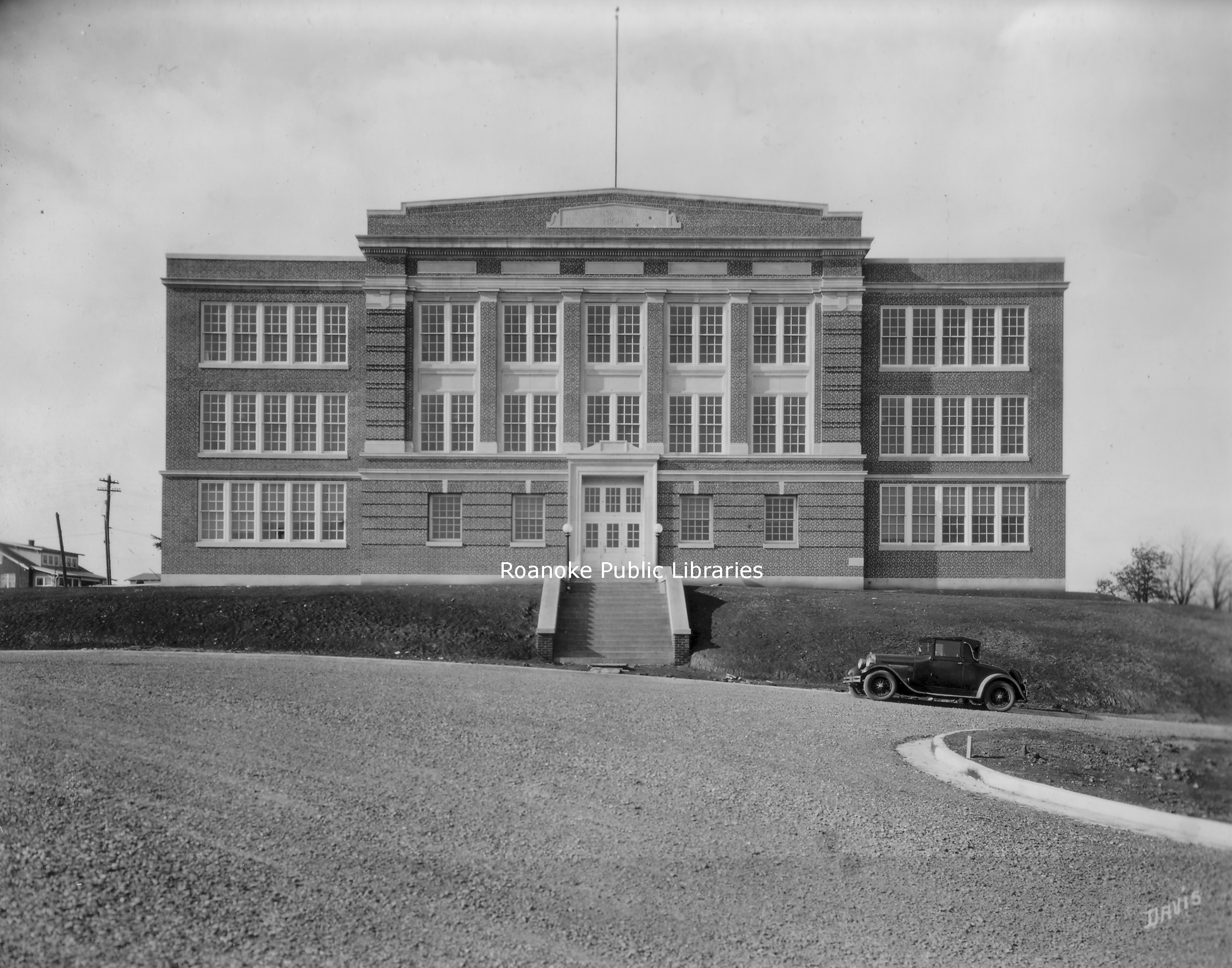RC26 Woodrow Wilson Middle.jpg