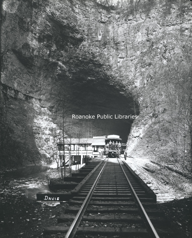 FE103 Natural Tunnel.jpg
