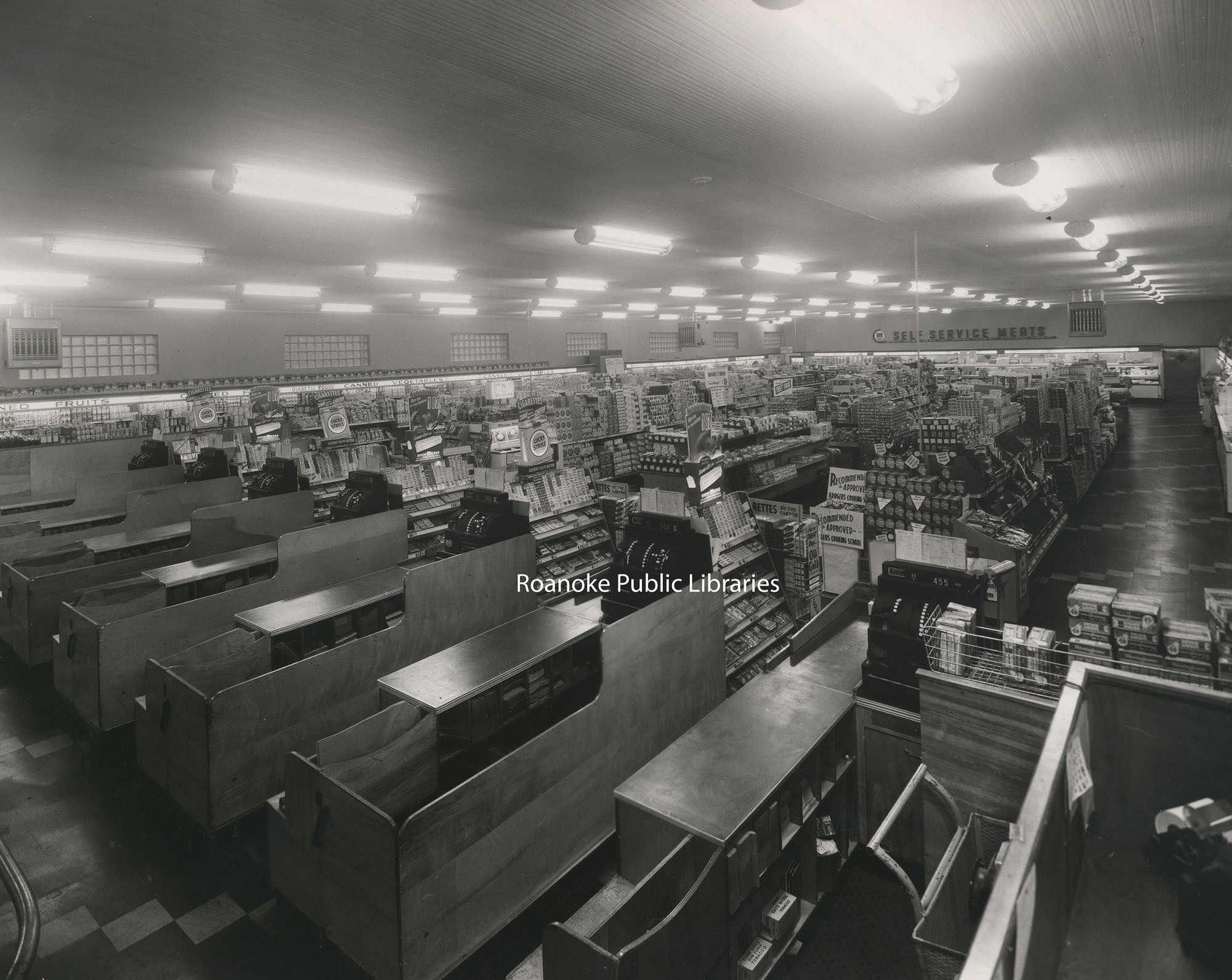 Davis 48f Kroger Interior.jpg