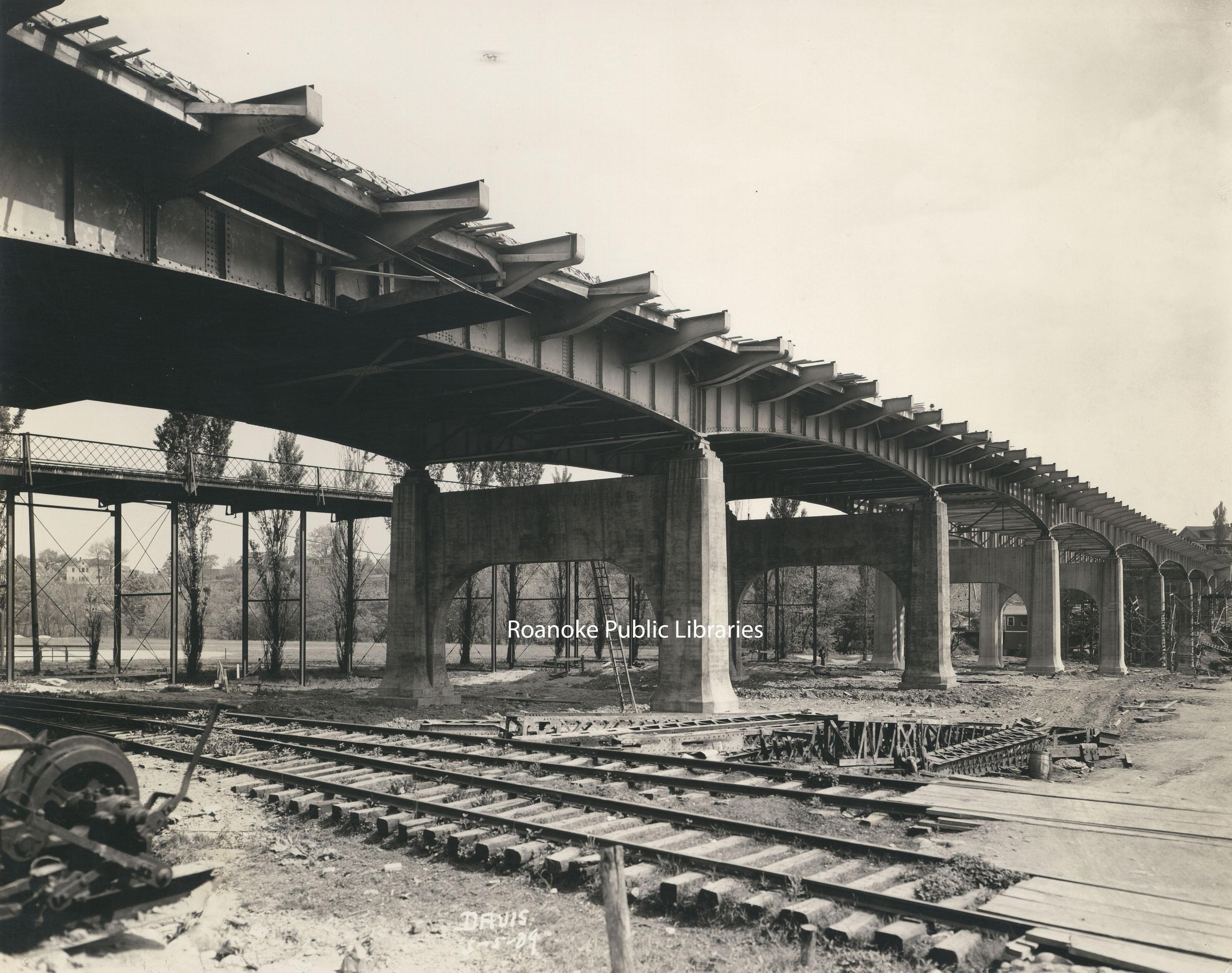 Davis 66b Wasena Bridge.jpg