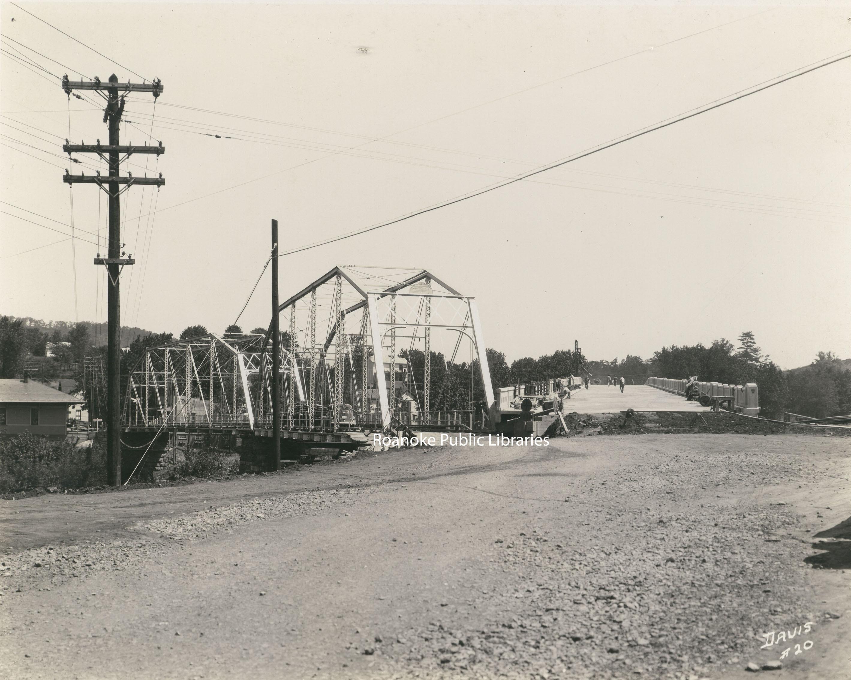 Davis 66i Buchanan Bridge.jpg