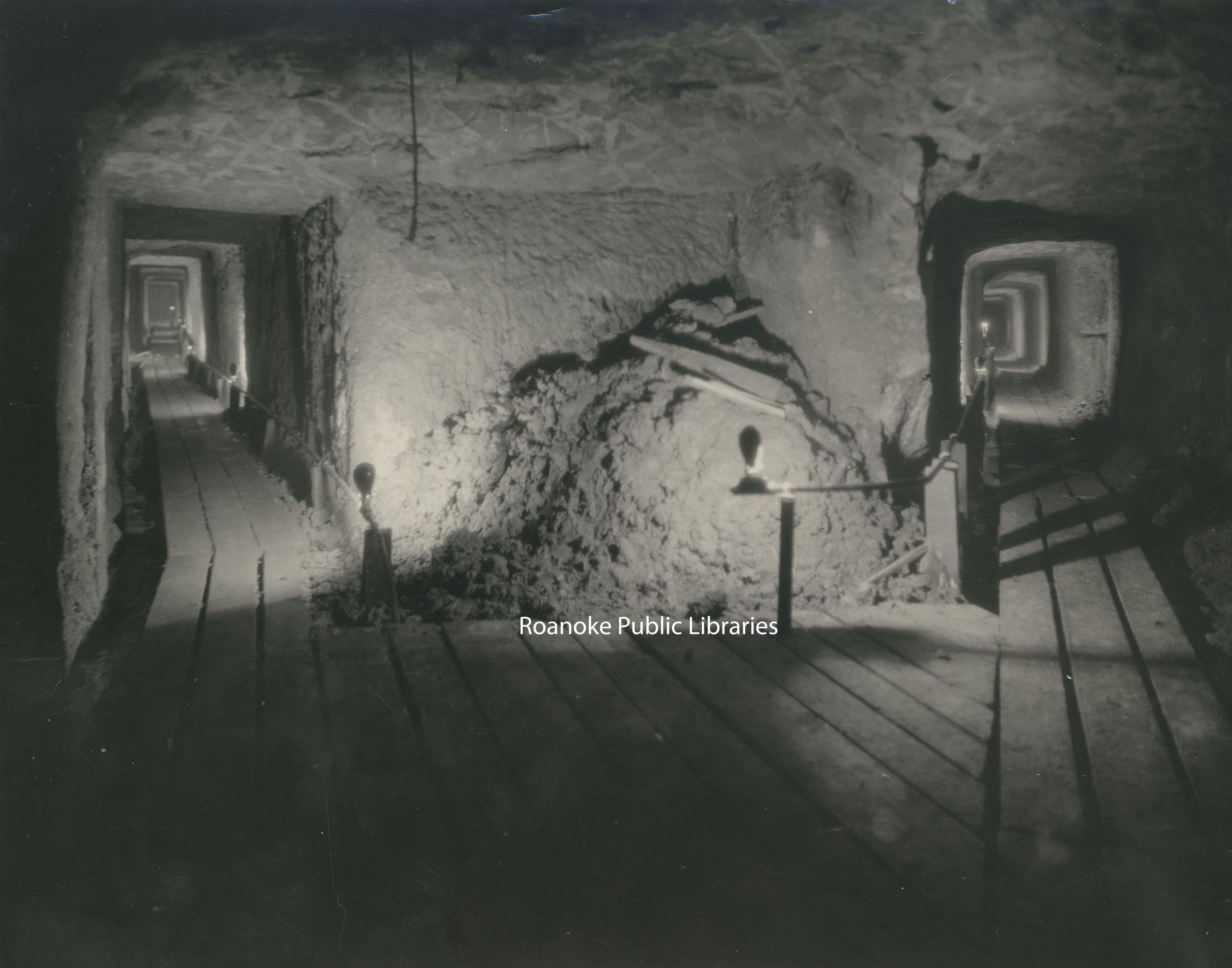 Davis 91.1b Confederate Tunnels.jpg
