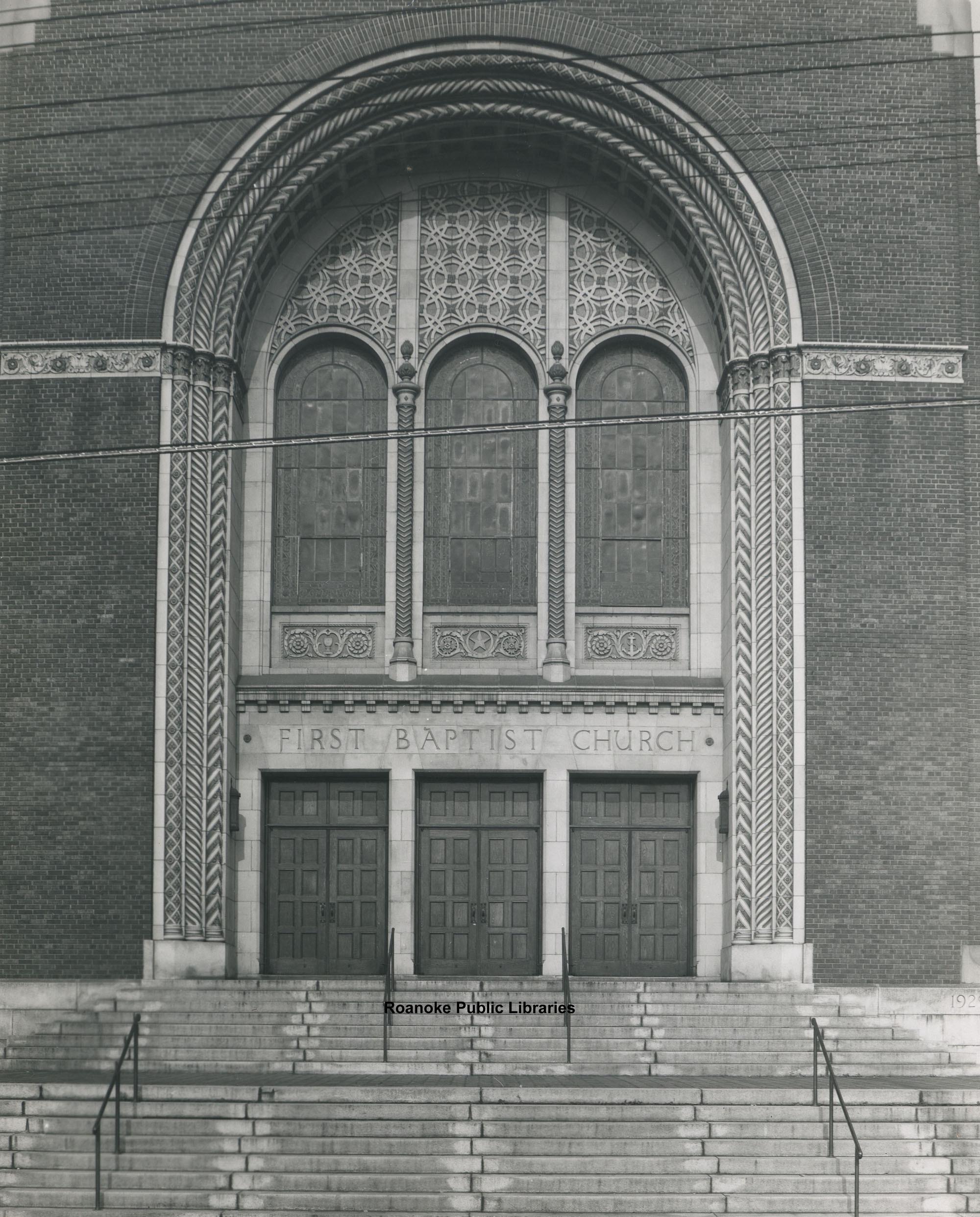 Davis 21.215 First Baptist Church doors.jpg
