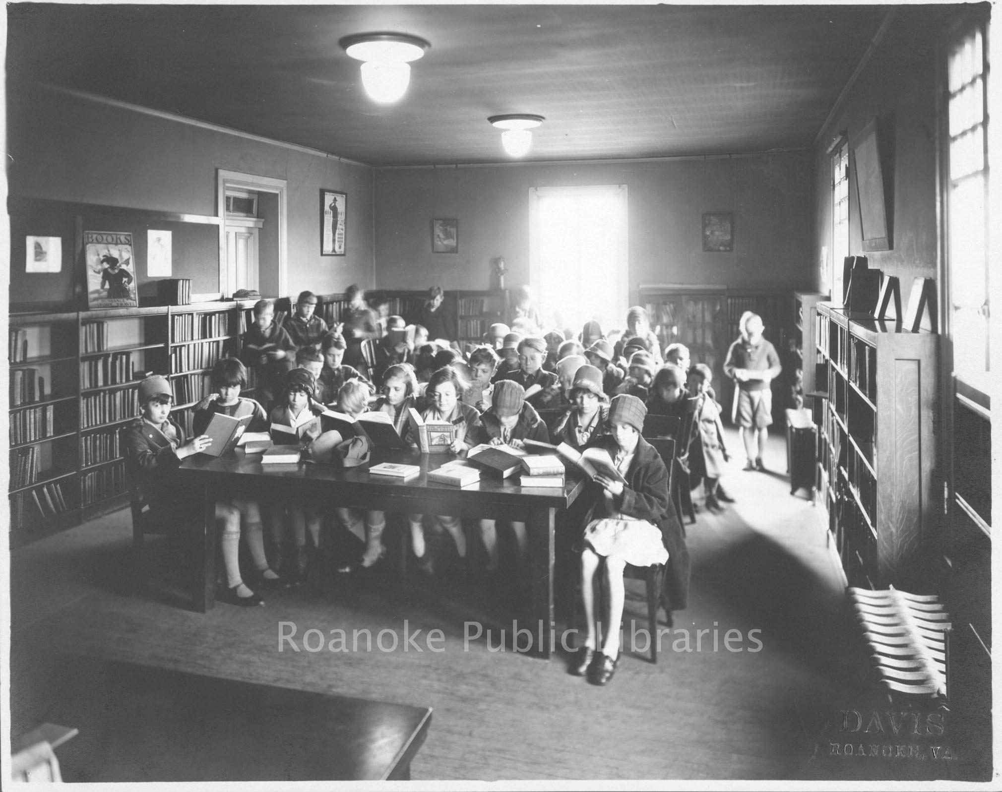 Davis 15.211 Storytime at Roanoke Public Libraries.jpg