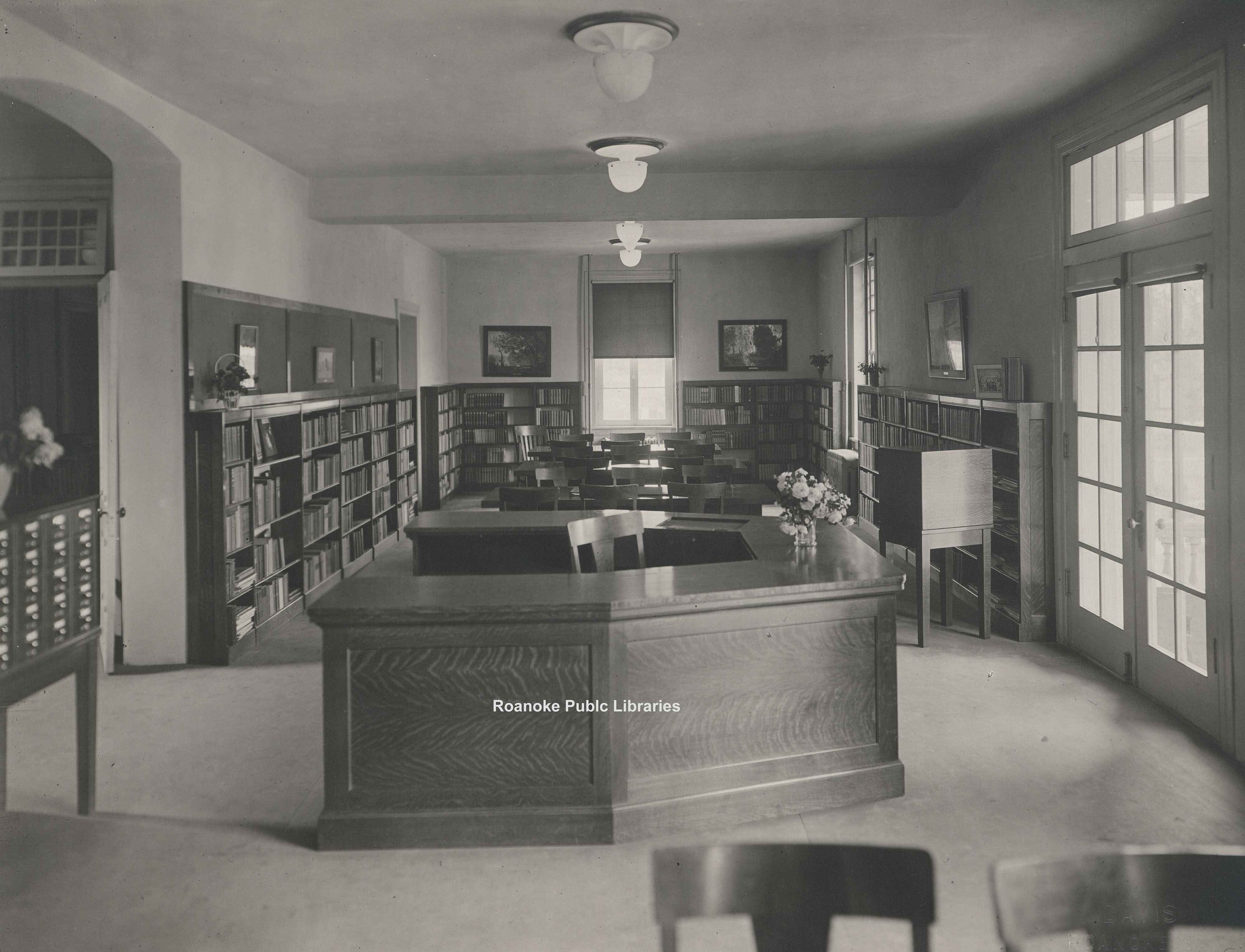 Davis 15.22 Main Library Interior.jpg