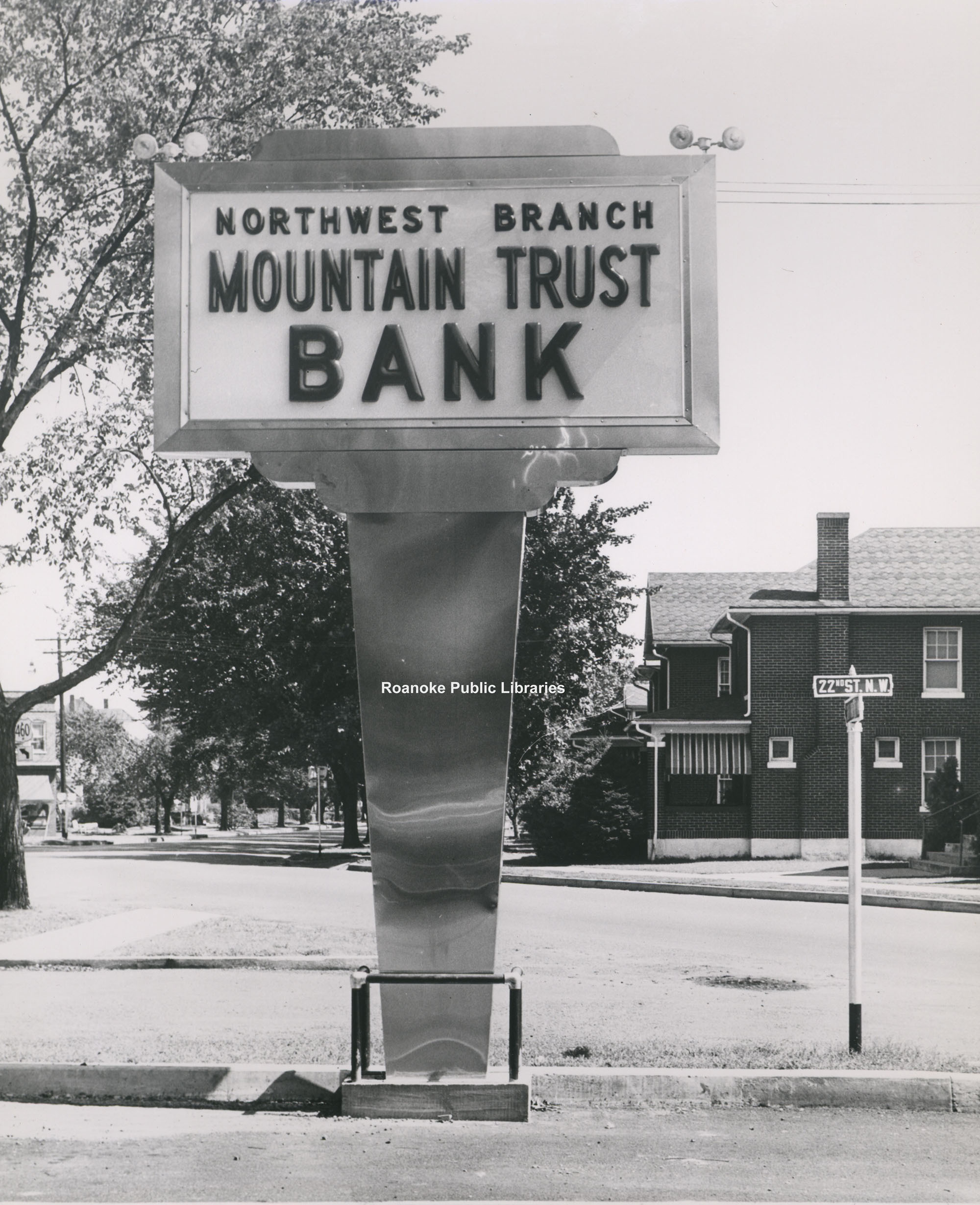 Davis 43.321d Mountain Trust Bank.jpg