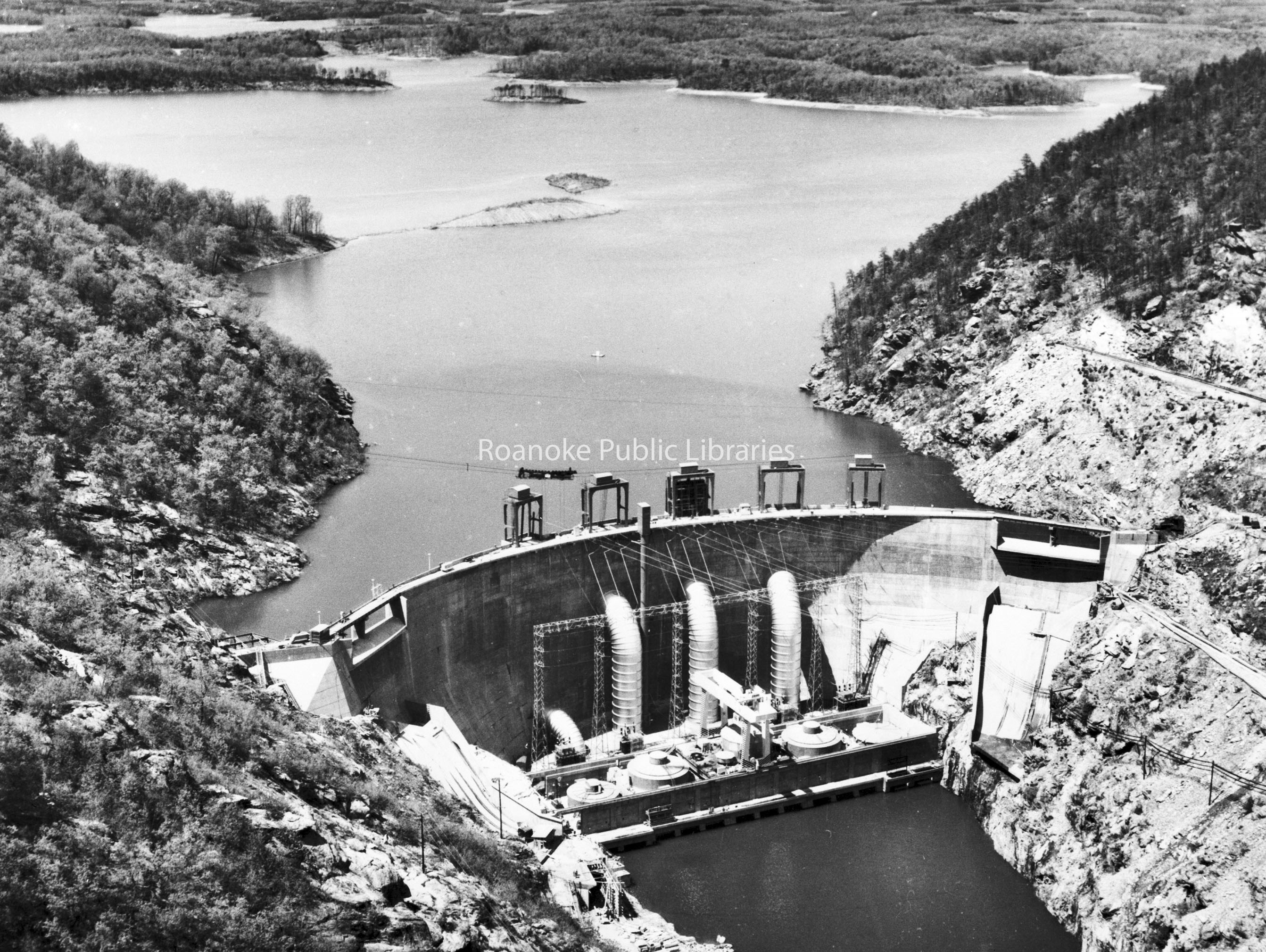 Davis2 66  SML Dam.jpg