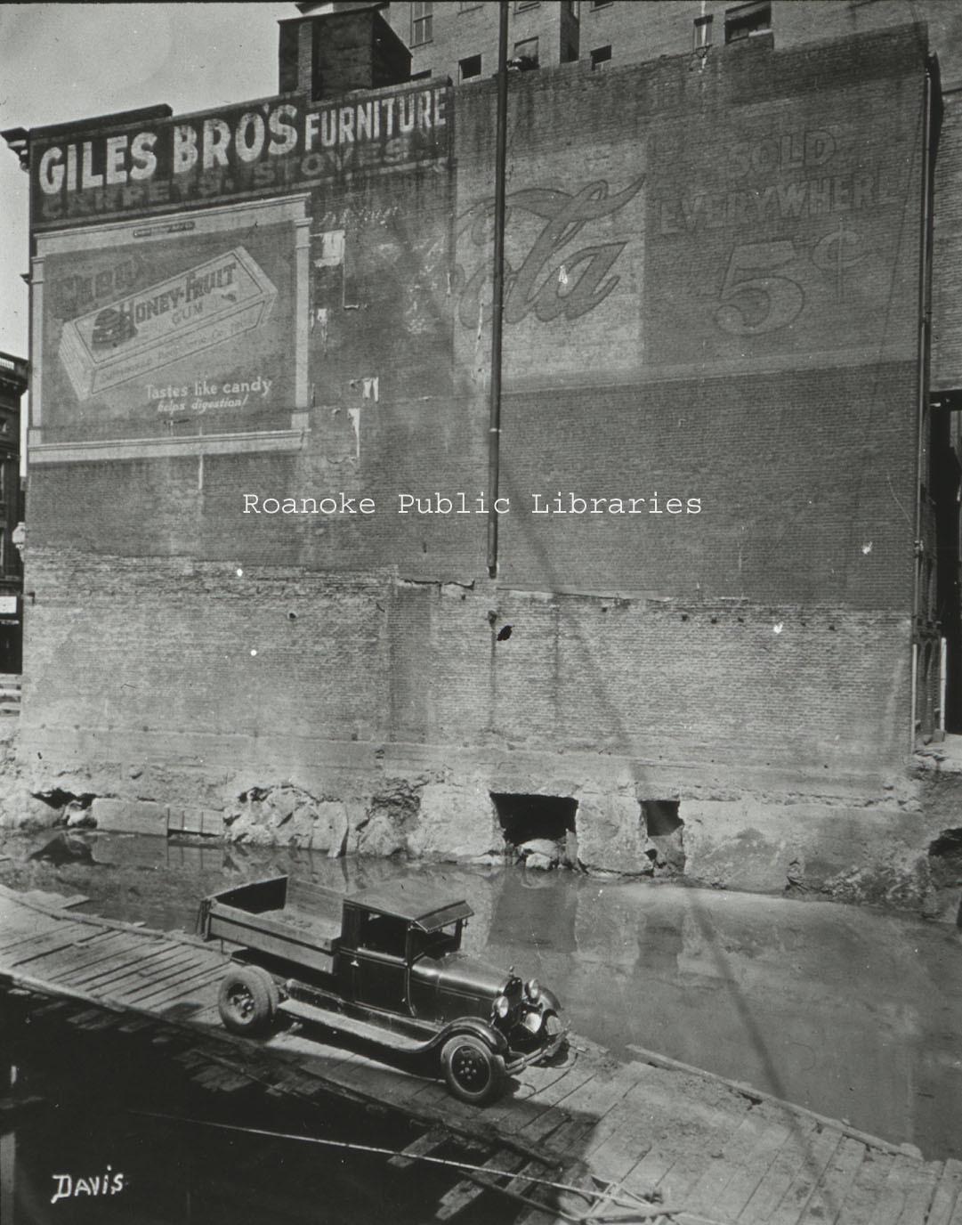 Davis GL 80 Giles Brothers Furniture.jpg