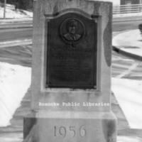 RVNH40303 Hunter Memorial