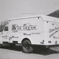 Davis 48.211 Clover Creamery Truck