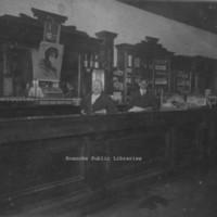 Davis 48.5 Salem Saloon