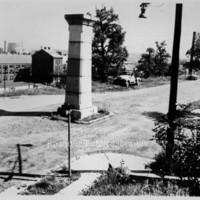 Davis 4.11 Mayor's Monument