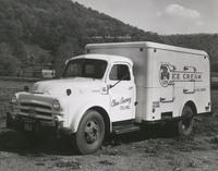 Davis 48.21 Clover Creamery Truck.jpg
