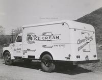 Davis 48.211 Clover Creamery Truck.jpg