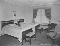 Davis 16.276 Guest Room.jpg
