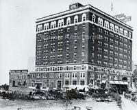 Davis 16.421 Patrick Henry Hotel.jpg