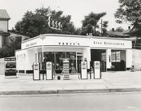 Davis 46.332 Vance's Esso.jpg