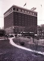 Davis GL 172 Hotel Patrick Henry.jpg