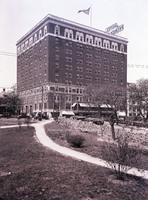 Davis GL 222 Patrick Henry Hotel.jpg